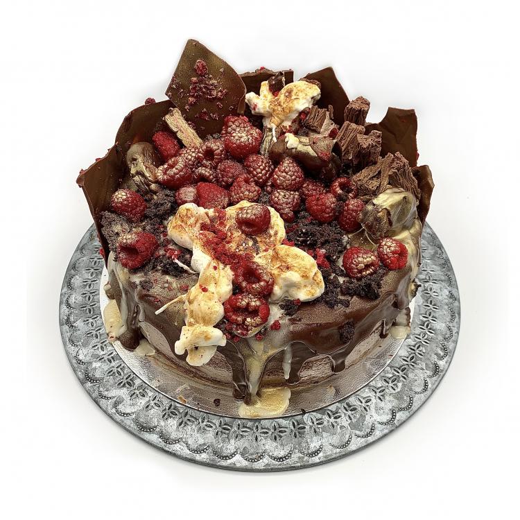RASPBERRY WAGON WHEEL CAKE